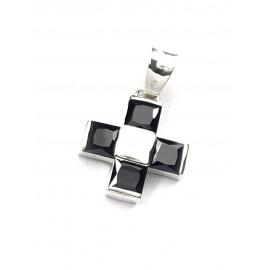 Dije cruz del equilibrio con cubic negro