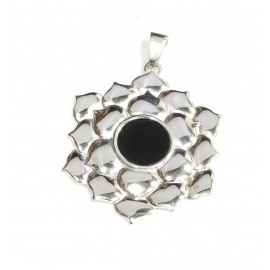 Dije de plata flor centro negro 40mm