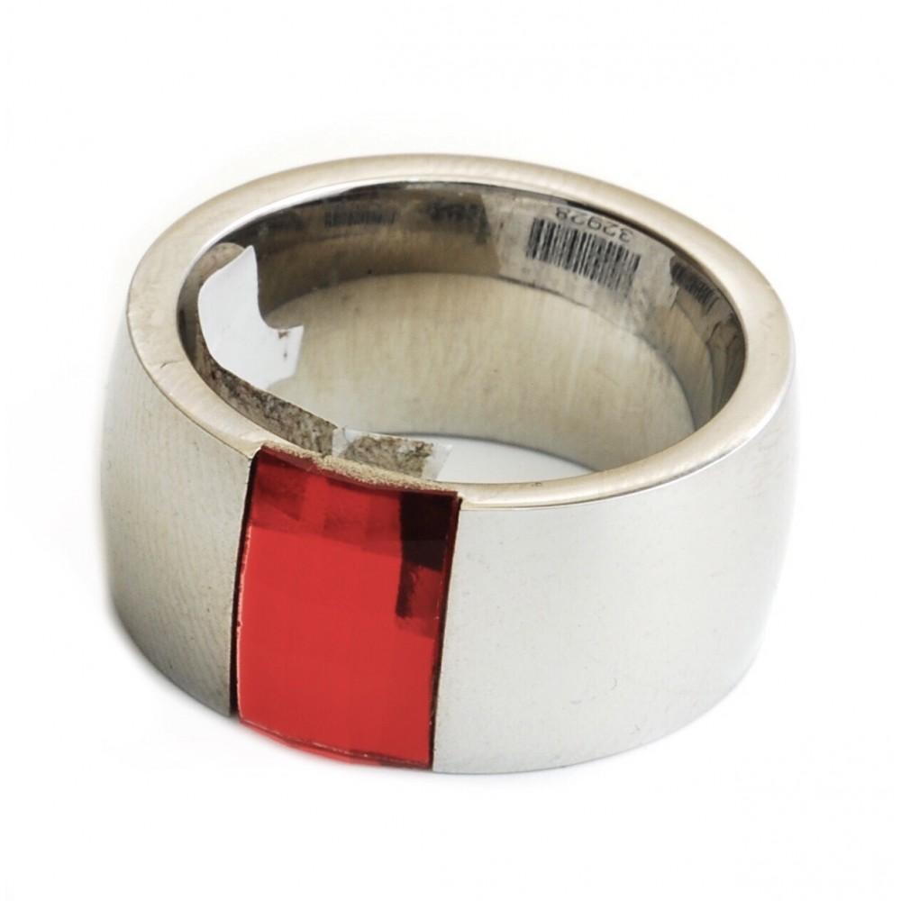 Anillo de Acero cinta con swar rectangular rojo