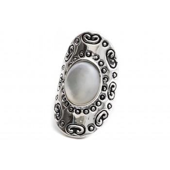 Anillo de plata inflado simil mandala piedra blanca