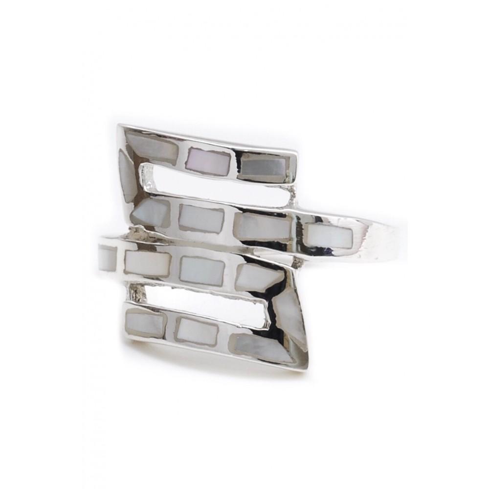 Anillo de plata simil S con rectangulos de nácar