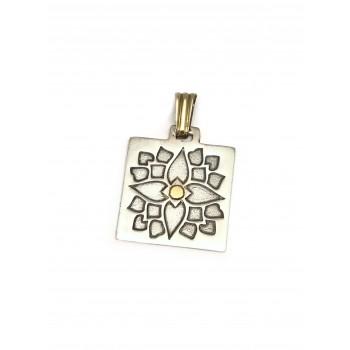 Dije de Plata cuadrado flor 23mm