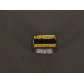 Anillo de Acero sello rectangular dorado y esmaltado